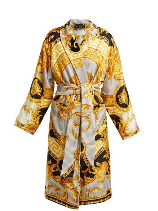 Versace La Coupe Des Dieux Baroque-Print Silk Robe In Grey Gold