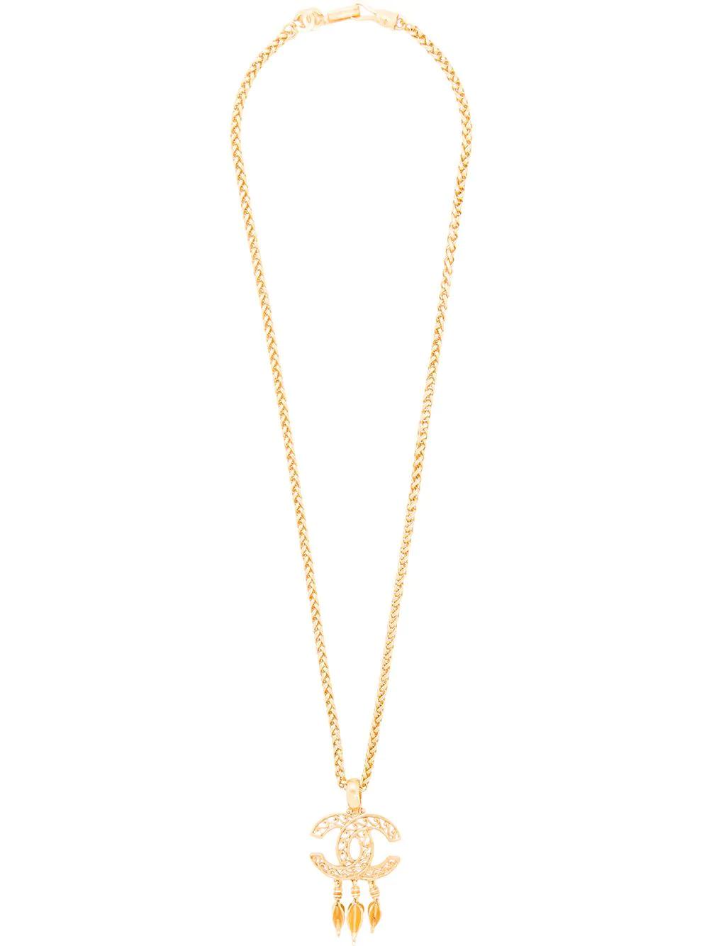c02c34a09de6 CHANEL. Chanel Vintage Cc Logo Chain Pendant Necklace - Farfetch in Gold