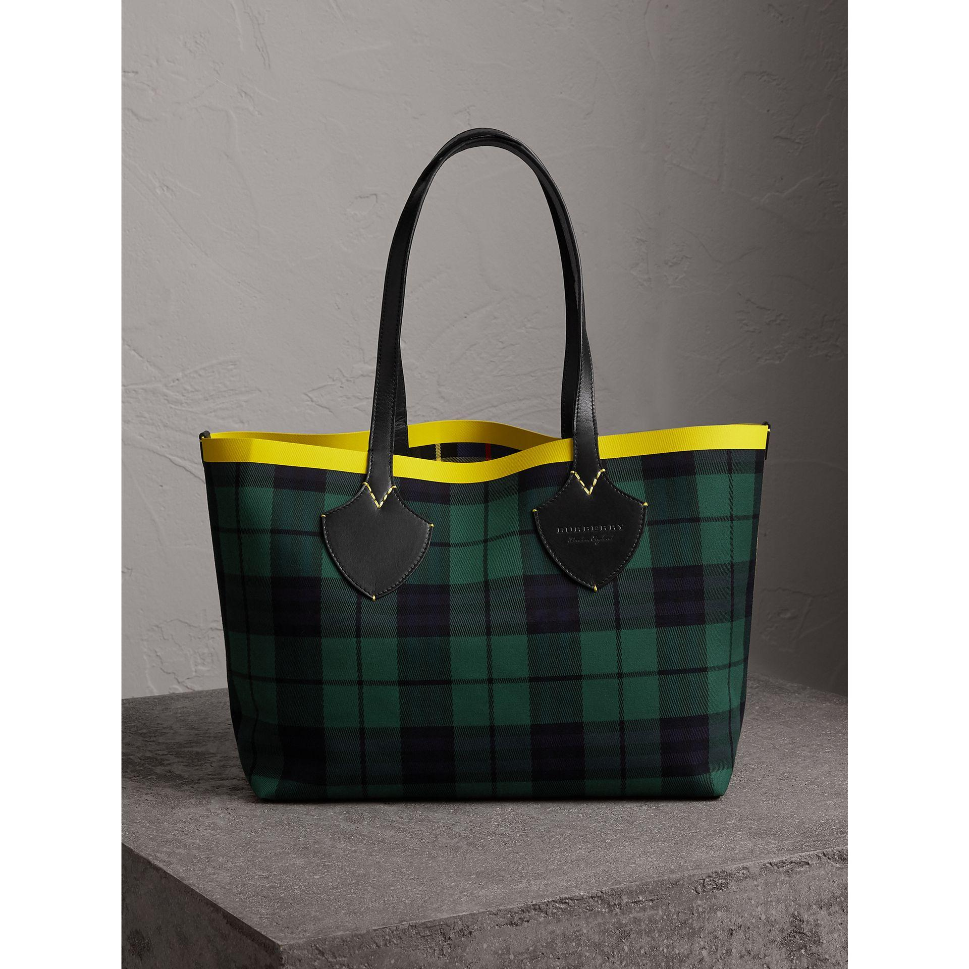 d979fd92da06 Burberry The Medium Giant Reversible Tote In Tartan Cotton In Racing  Green Cobalt Blue