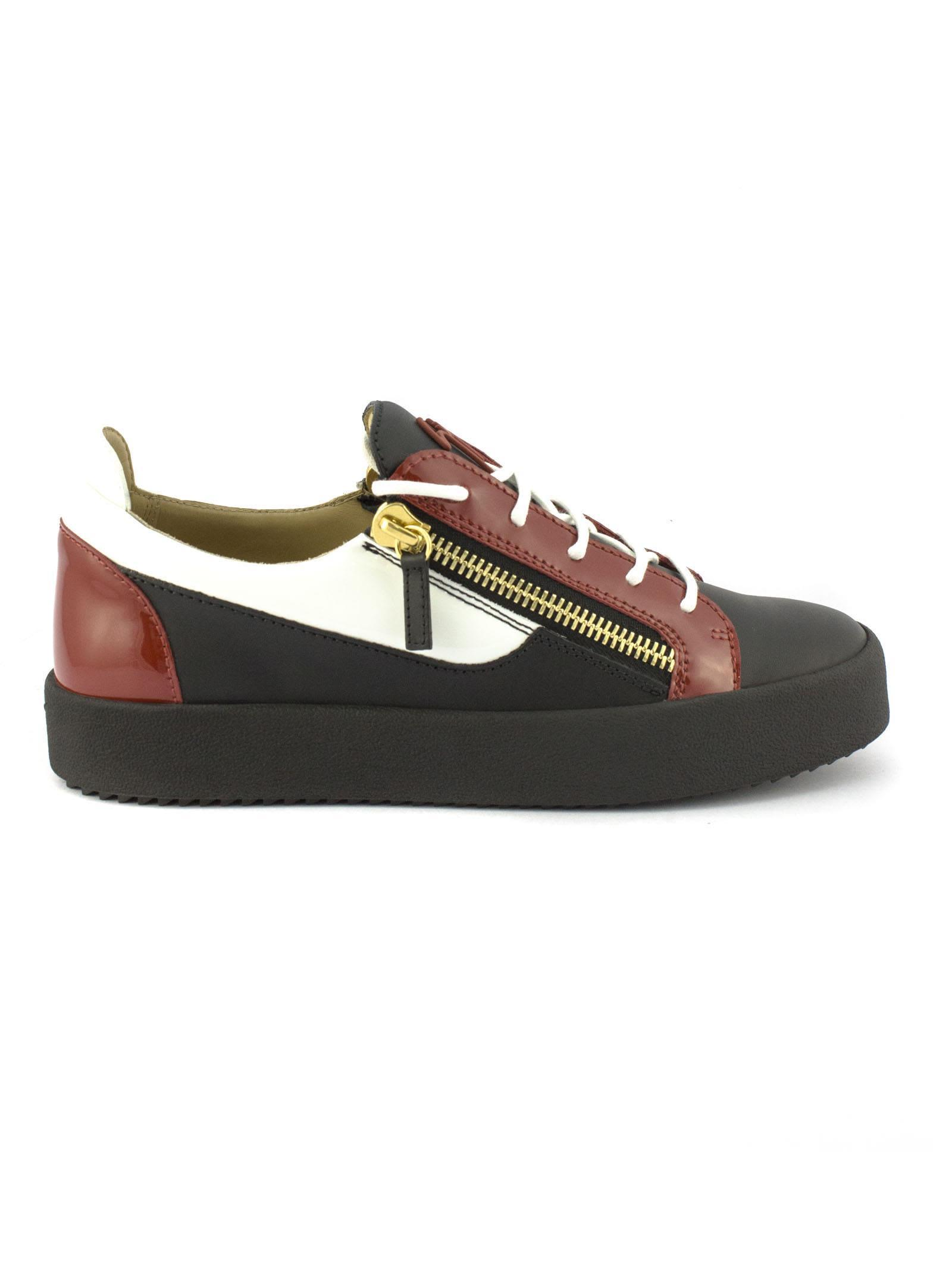 82e29f887df6d Giuseppe Zanotti Black Calfskin Leather Low-Top Sneaker With Red Patent  Leather Insert. In