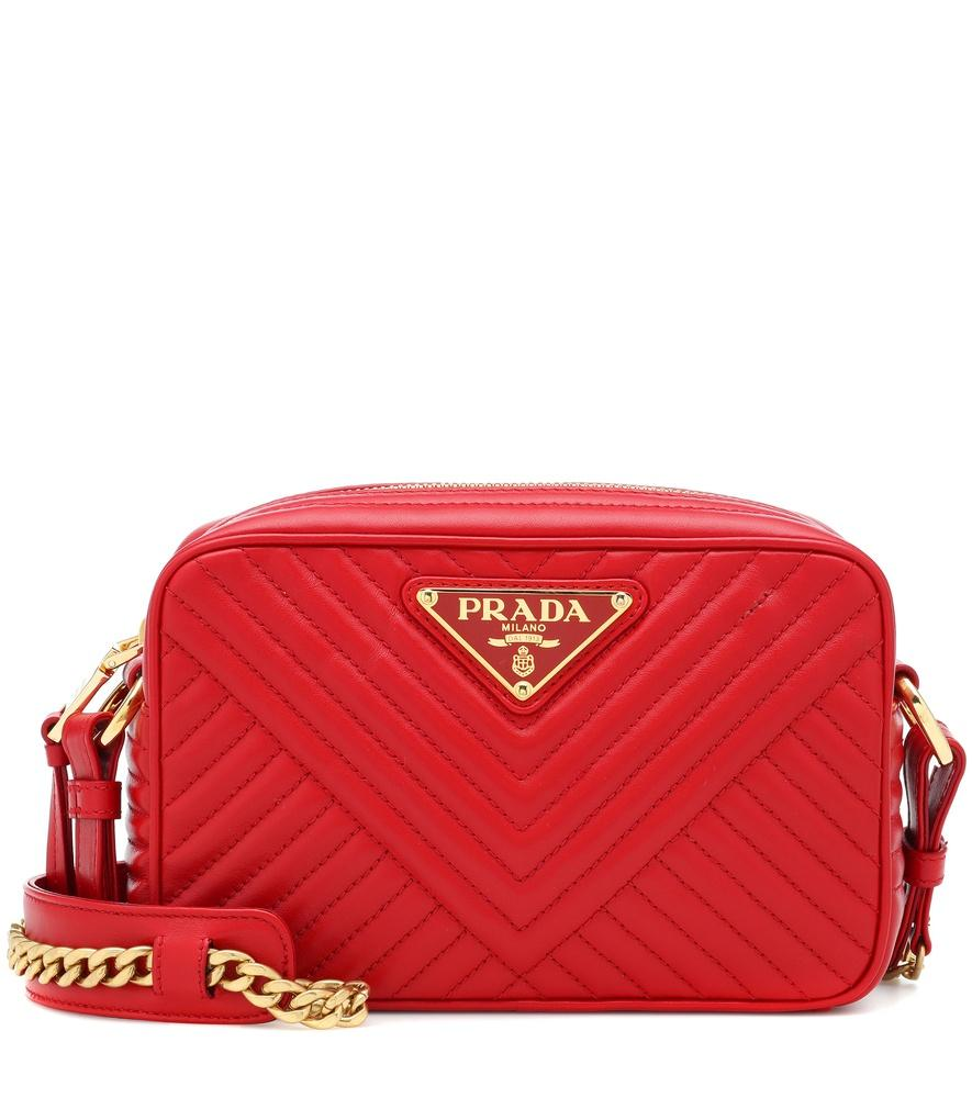 2127eeb065576 Prada Quilted Chain Shoulder Bag Fire Engine Red In 红色