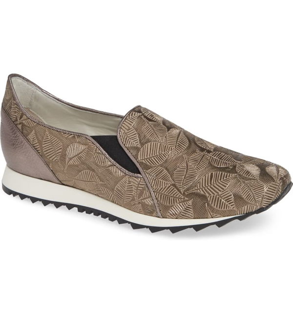 Amalfi By Rangoni Francia Slip-on Sneaker In Taupe Leather
