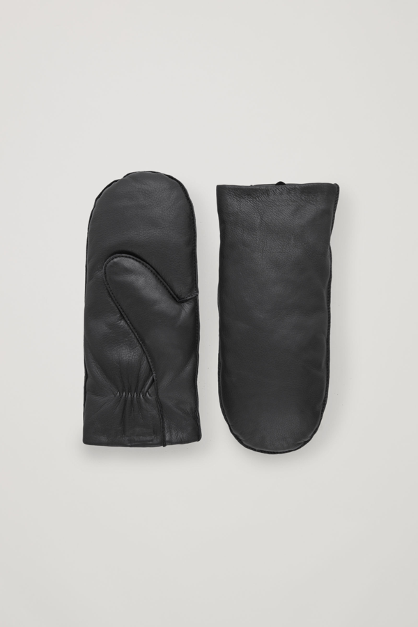 Cos Padded Leather Mittens In Black