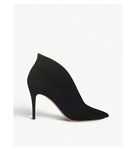 Gianvito Rossi Leather Pointed Western Booties In Black