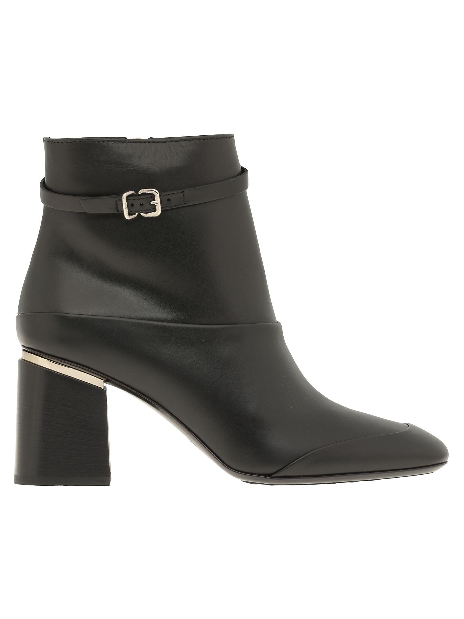 Tod's Leather Ankle Boot In Black