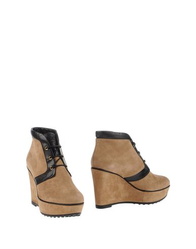 Tod's Ankle Boot In Camel