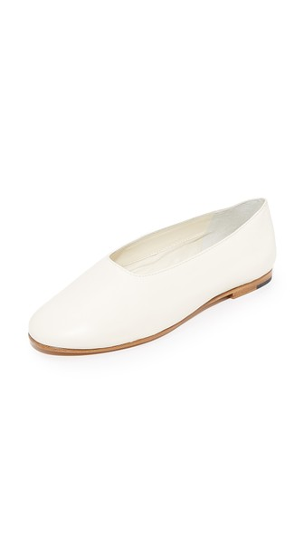 Vince 'Maxwell' Choked Up Leather Ballerinas In Cream