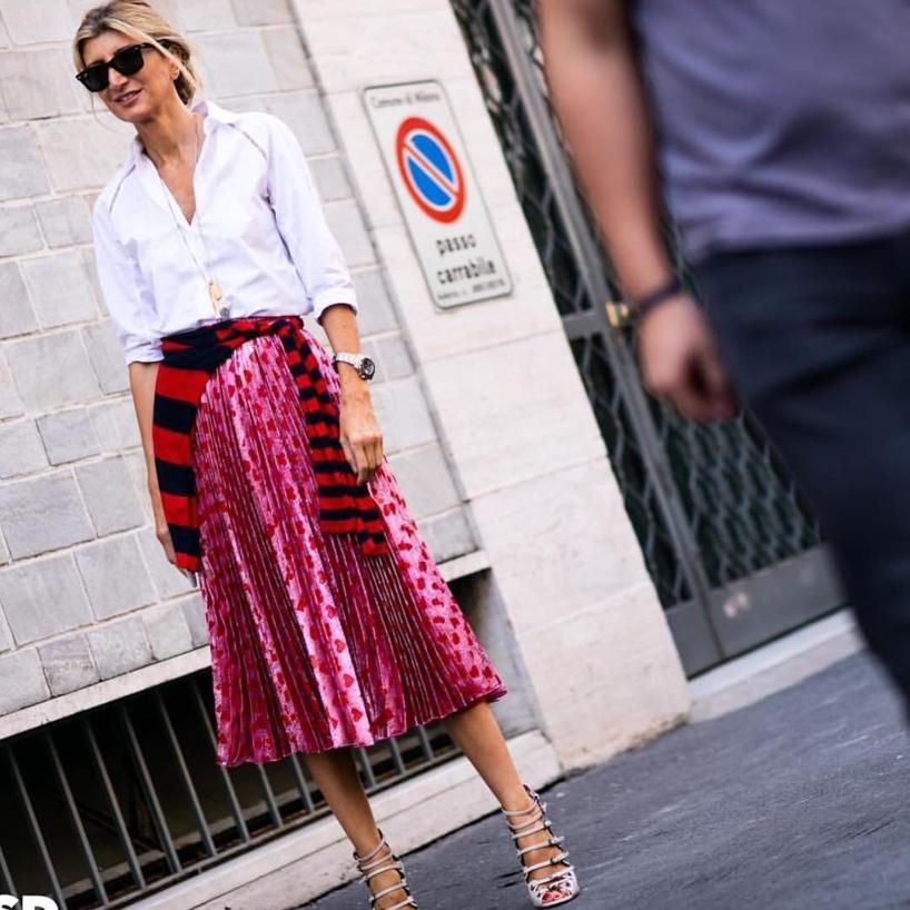 301aab5828bb Gucci Pleated Printed LamÉ Skirt