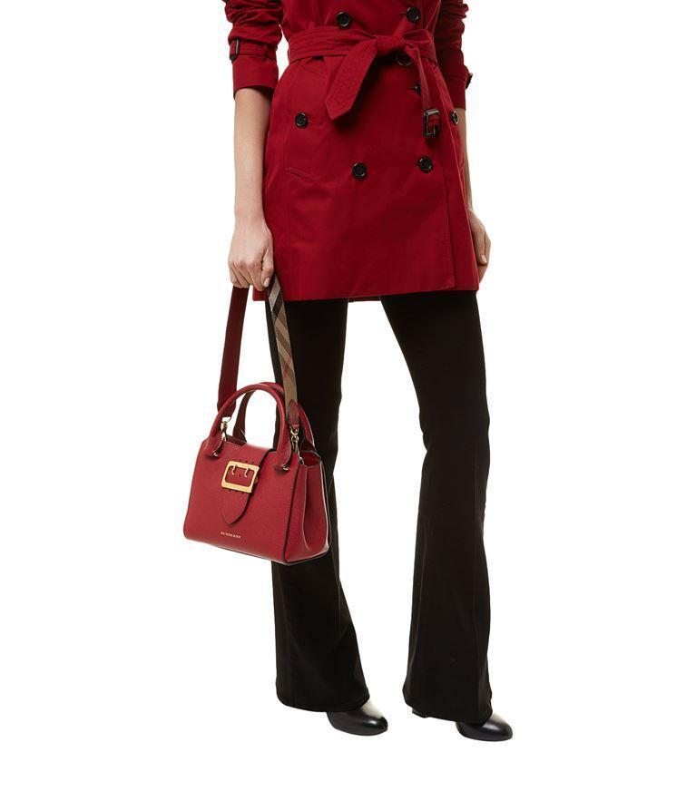 0bde959b73e2 Burberry The Medium Buckle Tote In Grainy Leather In Red