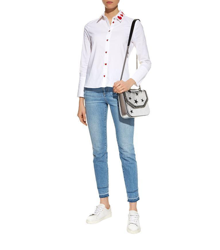 0a51da12 ALICE AND OLIVIA Darwin Embroidered Cropped Button Down Shirt in White/Red