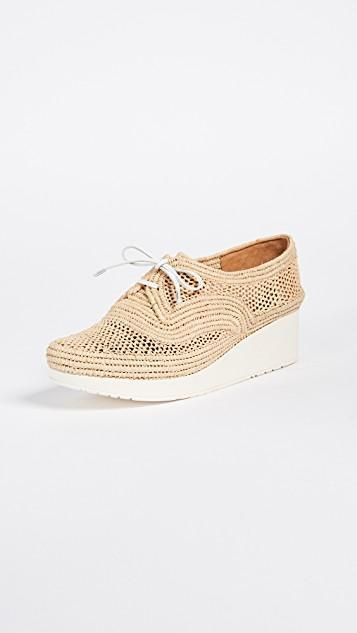 a132bba312ca ROBERT CLERGERIE Taille Natural Perforated Raffia Platform Derby Shoes in  Gold Blanc Rafia