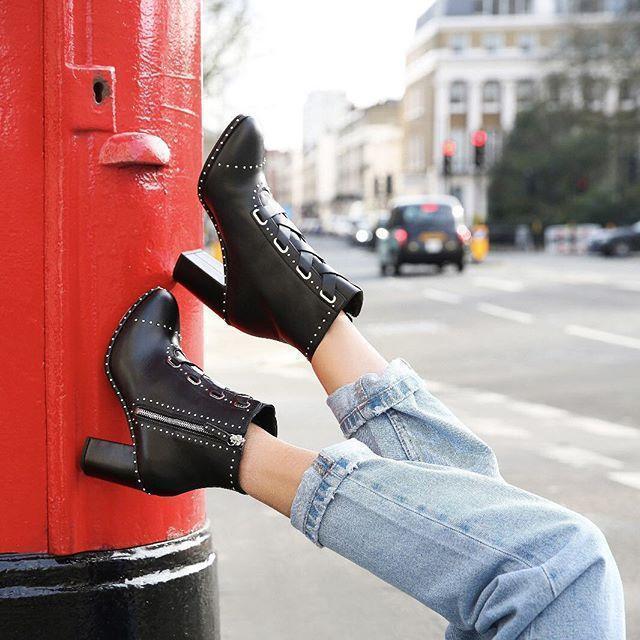 3029eb5bdc49ca Aquazzura Guns   Roses 85 Leather Ankle Boots In Black