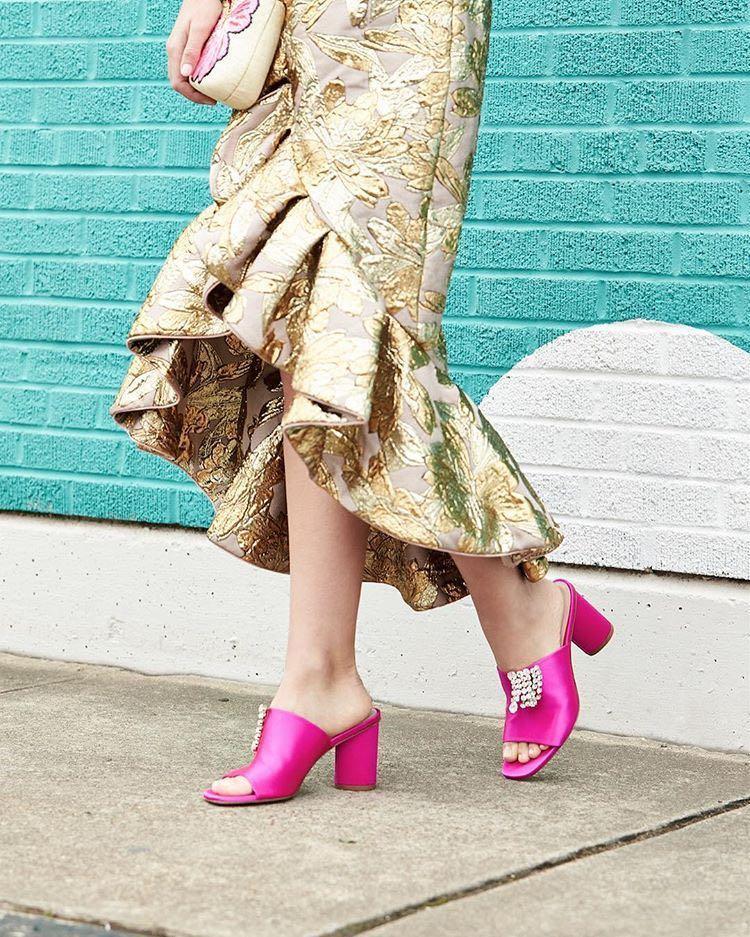 Theone Stuart Mule Satin Weitzman In Embellished Fuchsia Sandal wPXZlOkuiT