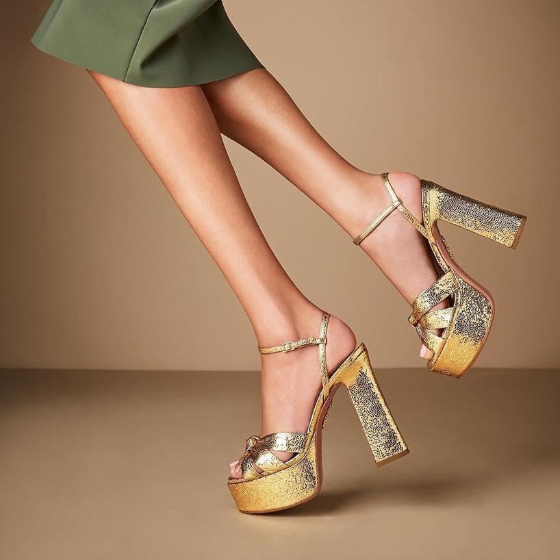 a6bba4c5cc3 AQUAZZURA Baba Plateau Metallic Cracked-Leather Platform Sandals in Gold