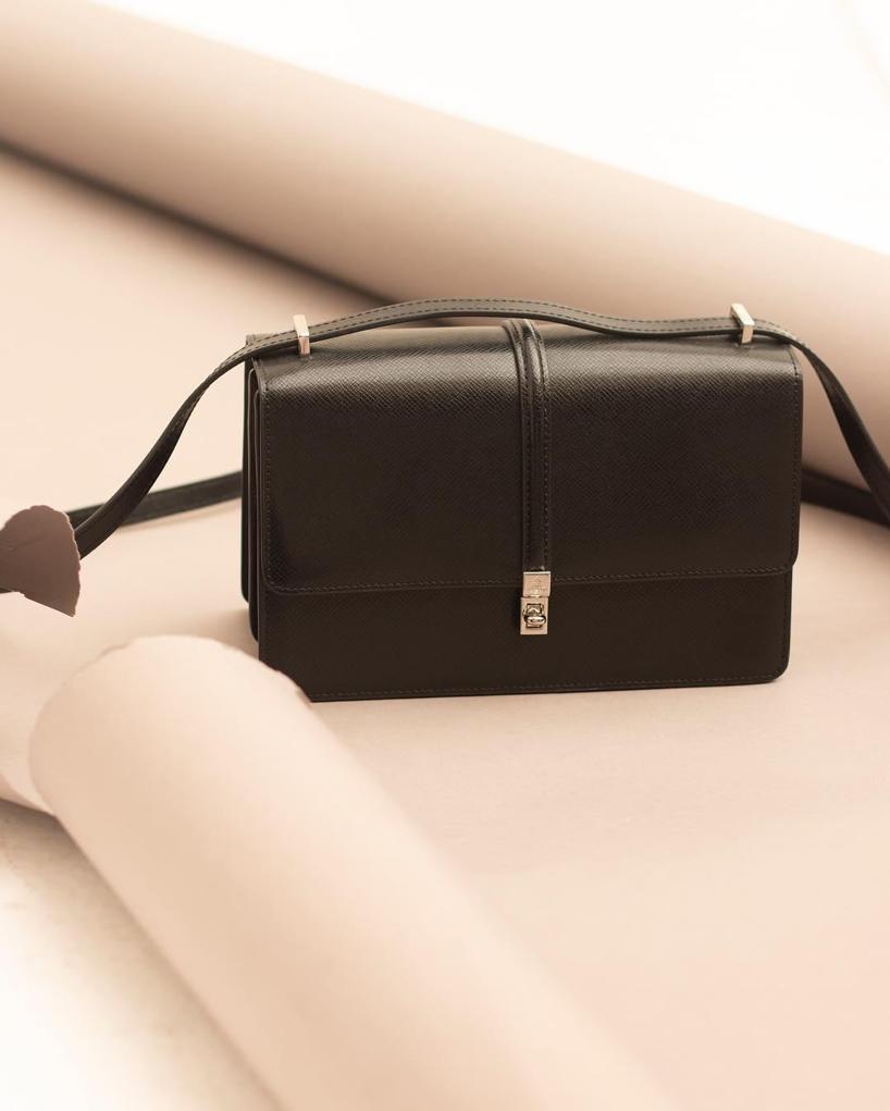 Vivienne Westwood Sofia Medium Shoulder Bag Black  d1cfef0710ee4